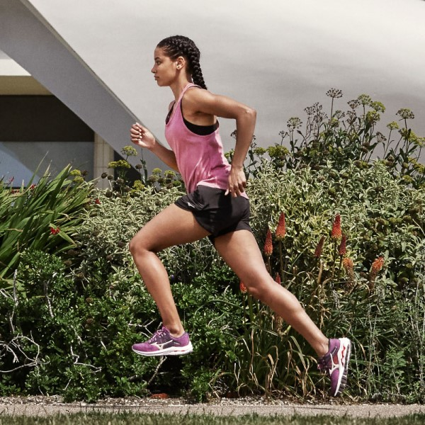 woman running with inspire 17